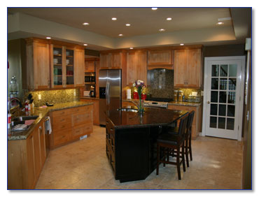 The Cabinets In This Kitchen Are Cherry With A Simple Shaker Style Door Natural Finish Was Used Two Different Types Of Granite Were